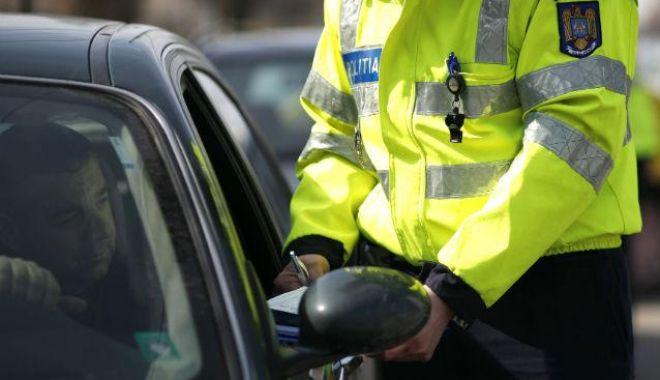 Foto: Un şofer amendat pentru lipsa trusei medicale a sunat la 112 şi a reclamat că poliţiştii sunt băuţi!