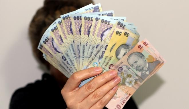 Foto: Amenzi pentru nerespectarea salariului minim pe economie