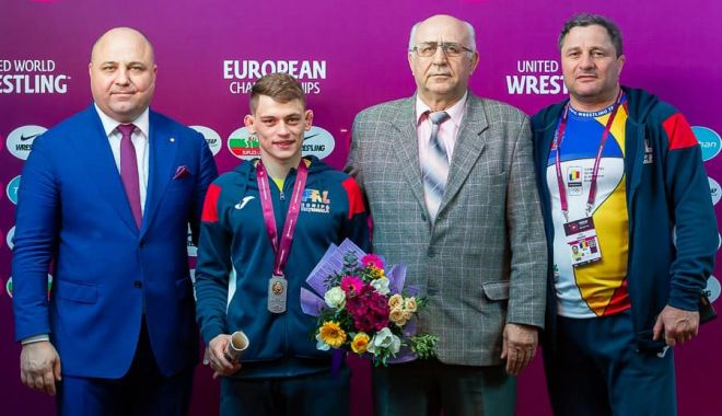 """Foto: """"Am plâns la final, mi-am dorit enorm să-l înving pe rus"""""""