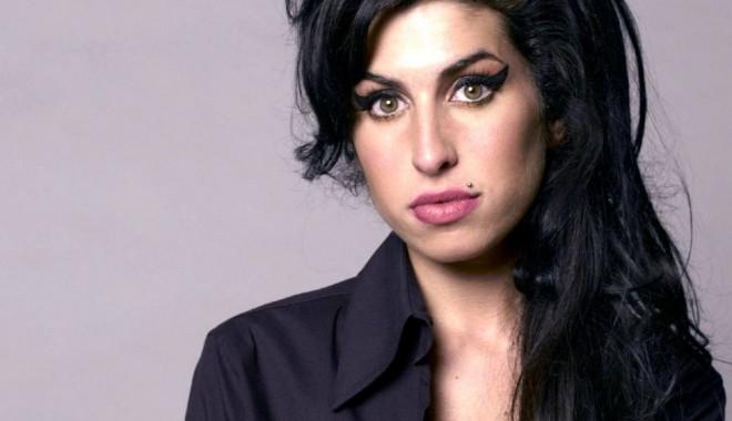 Foto: Amy Winehouse va avea statuie. Construcţia va fi inaugurată în 2014, la Londra