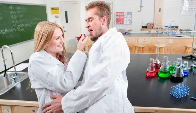Foto: Analiza chimică a femeii