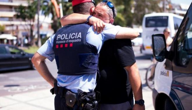 Foto: IMAGINEA SĂPTĂMÂNII / POLIŢISTUL EROU! A ucis singur 4 dintre cei 5 terorişti din Spania