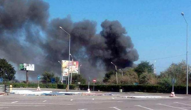 Foto: Anchetă a Poliţiei după incendiul din Agigea. Artificiile, depozitate ilegal