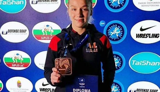 Constănțeanca Andreea Beatrice Ana, medaliată cu bronz la Mondialele de lupte - andreea-1572609814.jpg