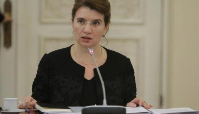 Foto: Andreea Păstîrnac: E important ca mulți dintre cei care au plecat să revină în România