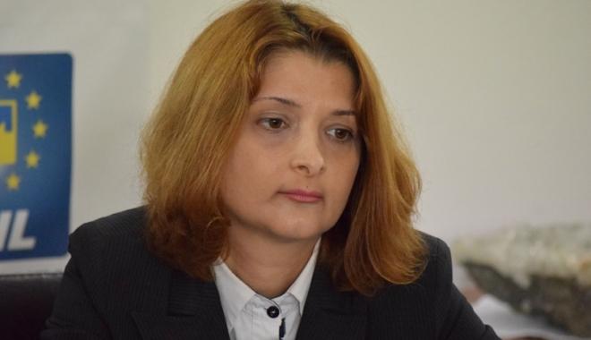 Ce au făcut pentru constănţeni Dede Perodin,  de la PSD, şi Mihaela Andrei, de la PNL - andreimihaela-1500299307.jpg