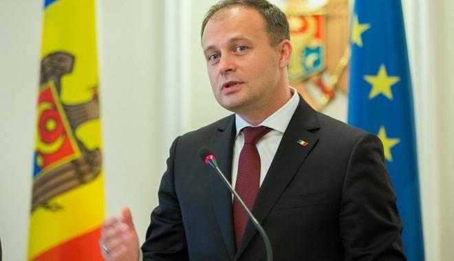 Foto: Chișinău: Noii miniștri au depus jurământul în fața președintelui Parlamentului
