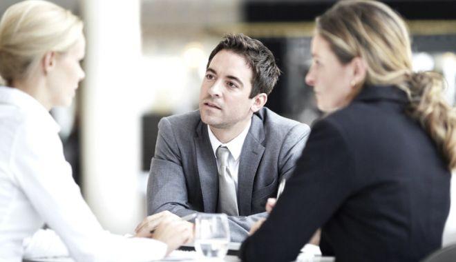 Foto: Ce obligaţii au patronii la angajare