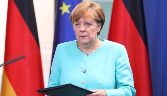 Foto: Angela Merkel îndeamnă Europa să rămână unită în faţa tensiunilor cu Turcia