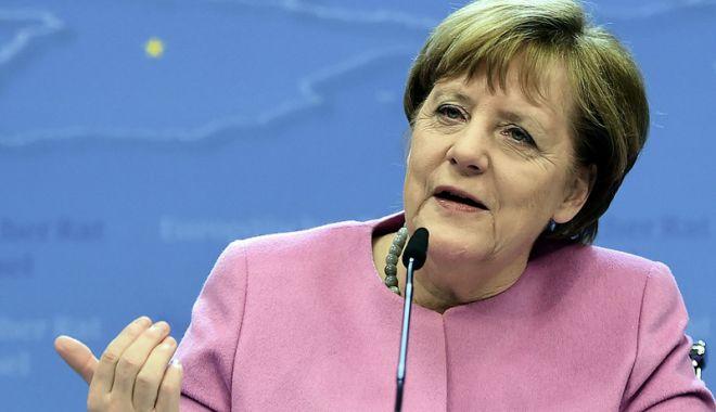 Foto: Angela Merkel susţine prelungirea controalelor la frontiere
