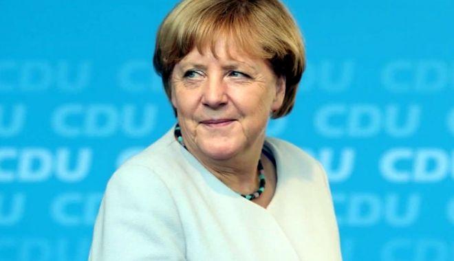 Foto: Angela Merkel prevede controverse la summitul G7, între SUA şi partenerii săi