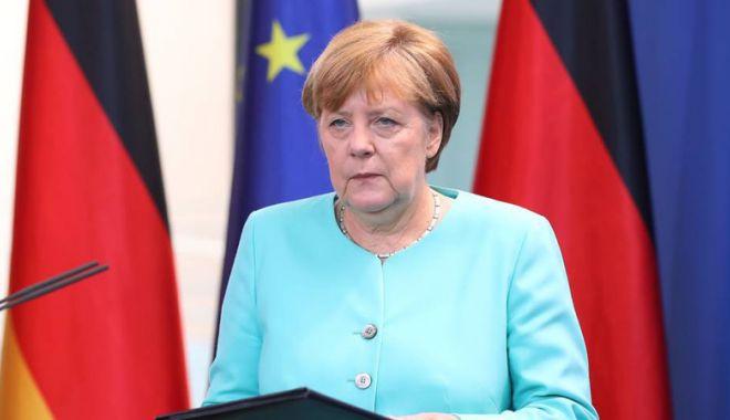 """Foto: Angela Merkel avertizează: """"Diavolul se ascunde în detalii!"""""""