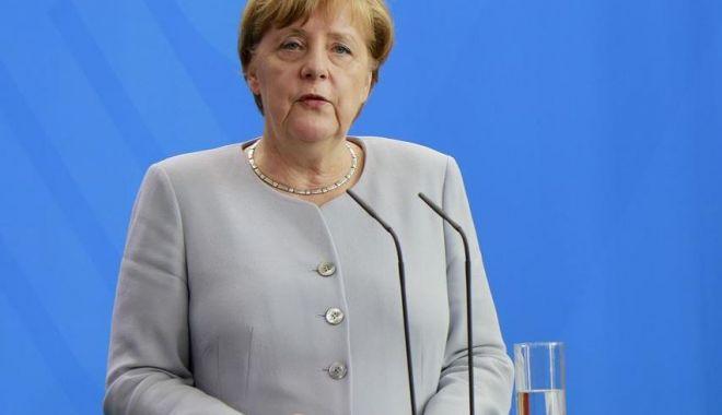 Foto: Angela Merkel le cere europenilor să se împotrivească populiştilor