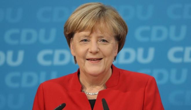"""Foto: Angela Merkel cere """"bunăvoinţă"""" pentru  a reuşi formarea unei coaliţii guvernamentale"""