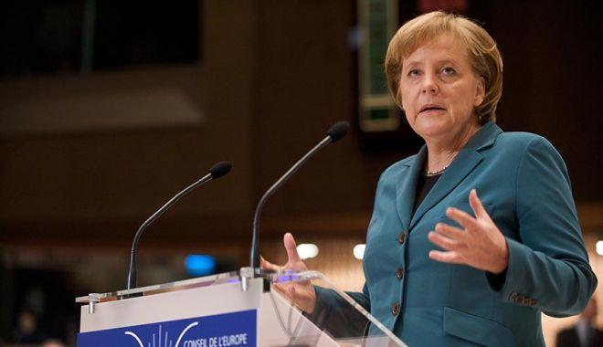Ziua Europei: Avem responsabilitatea veşnică de a ne aminti de victimele regimului nazist - angelamerkelap-1620465916.jpg