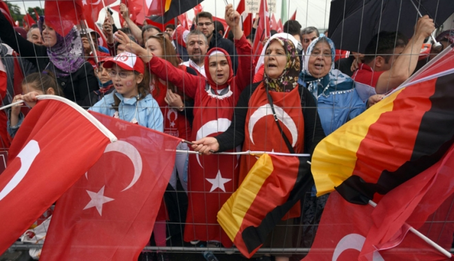 Foto: Ankara le cere turcilor să fie prudenţi în Germania