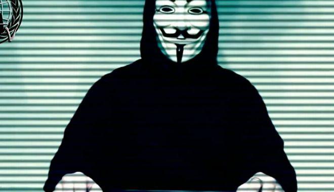 Foto: Hackerii Anonymus au blocat site-ul poliției din Minneapolis și amenință polițiștii corupți