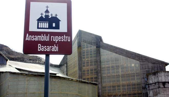 O veste excelentă! Cum şi când vizităm bisericuţele de cretă de la Basarabi - ansamblulrupestrubasarabi60-1443540682.jpg