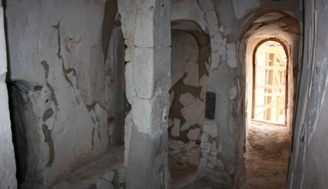 O veste excelentă! Cum şi când vizităm bisericuţele de cretă de la Basarabi - ansamblulrupestrubasarabi9-1443540635.jpg