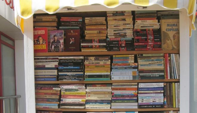 Foto: Prea mulţi adolescenţi drogaţi şi prea puţină lectură