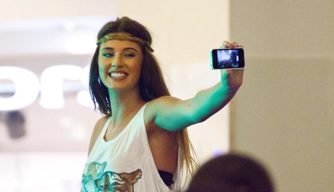 Foto: Antonia îi face concurenţă lui Alex Velea. Solista are un nou tatuaj