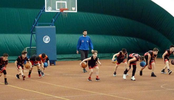 Antrenorul Predrag Stanojcic, implicat în programele FR de Baschet - antrenorul-1552349887.jpg