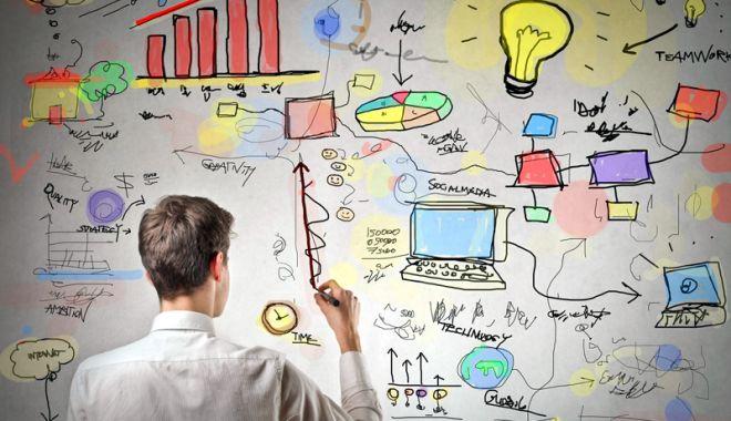 Foto: Elevii constănţeni învaţă să devină antreprenori