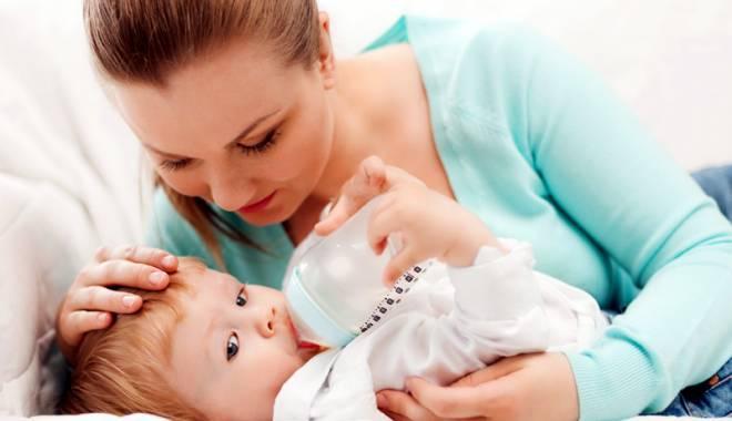 """Foto: Mămici, atenţie mare la apa folosită în hrana bebeluşilor! """"Boala albastră"""" îi poate ucide"""