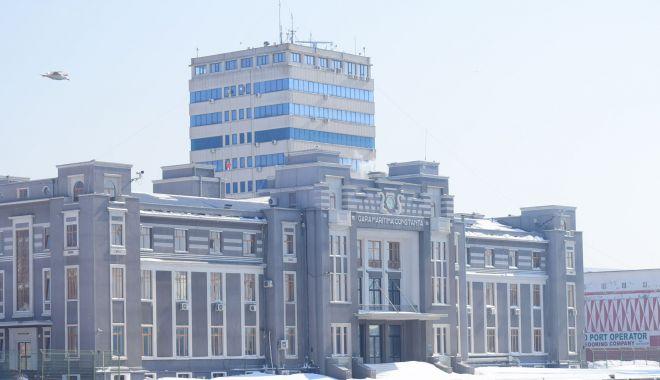 Foto: Ministrul Transporturilor a trimis Corpul de Control în portul Constanța