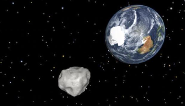 Foto: Oamenii de ştiinţă, ÎN ALERTĂ. Asteroidul Apophis 99942, cu un diametru de 370 de metri, ar putea lovi Pământul