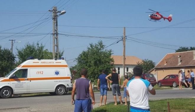 Foto: Bărbat spulberat pe trecerea de pietoni. Un elicopter SMURD a intervenit