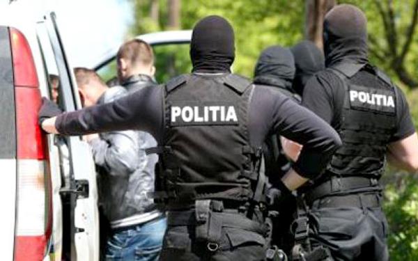 Foto: S-A ÎNTORS ROATA! Doi italieni AU JEFUIT UN ROMÂN în Mamaia