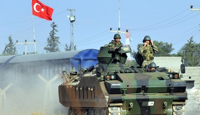Foto: Arestări pe bandă rulantă, în Turcia. Sute de simpatizanţi ISIS, după gratii