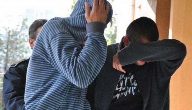 Foto: Arestaţi după ce au tâlhărit un constănţean şi i-au furat lanţul de aur