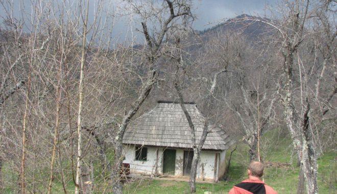 Foto: Arheologii constănţeni recreează satul medieval românesc