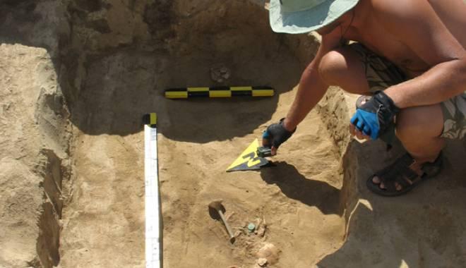 Descoperire de senzaţie!  Zona cu peste 1.000 de morminte - arheologieautostrada1-1433430844.jpg