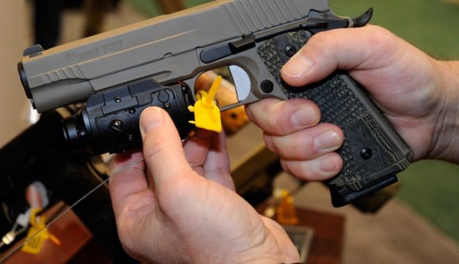 Foto: CONSTANŢA / Infractorii lovesc în forţă cu arme de... jucărie