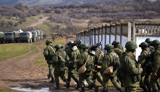 Foto: Armata rusă începe ample manevre militare la frontiera cu UE