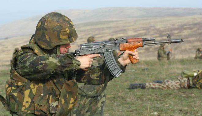 """Foto: """"Noul val"""" din Armata Română, pasiunea pentru carieră şi """"halta"""" spre jobul din străinătate"""