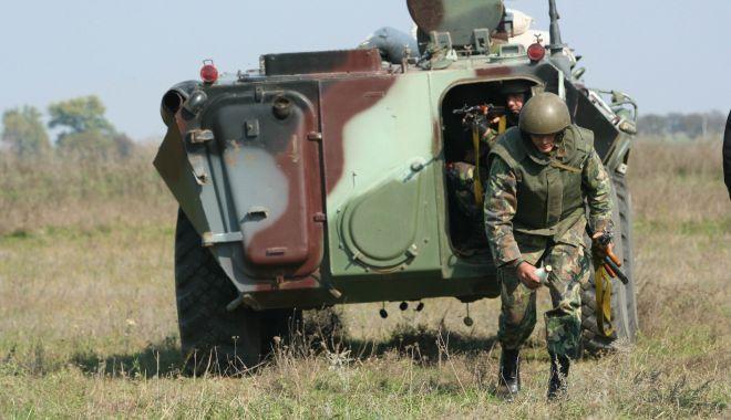 Foto: S-a schimbat legea! Caporalii vor putea deveni maiştri militari