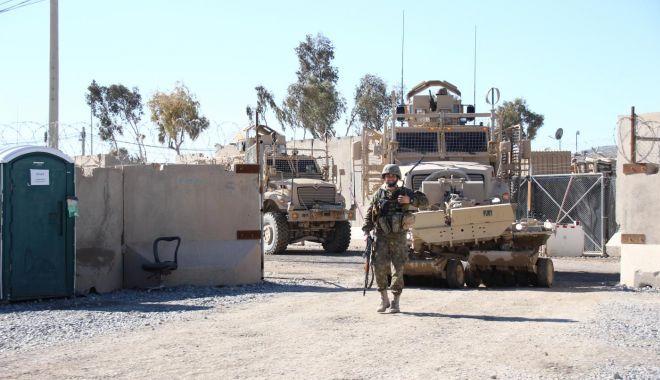 Foto: Misiune în Afganistan, ţara în care oamenii au învăţat să nu se dea bătuţi