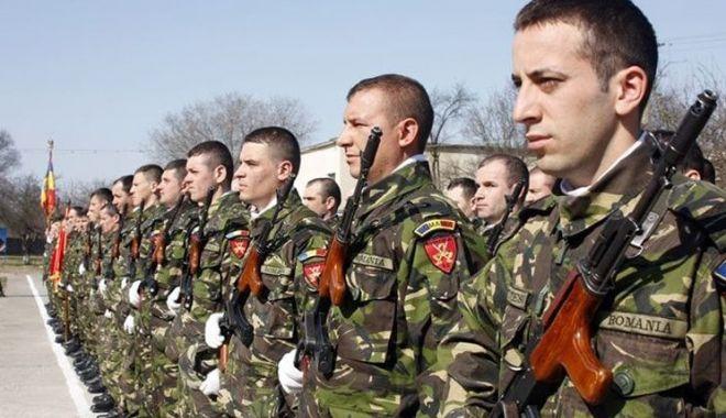 Foto: Cu un pas mai aproape de o carieră militară! Cei interesaţi sunt aşteptaţi la eveniment