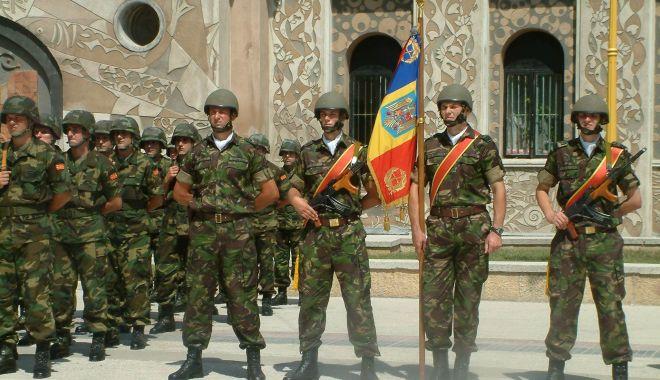 GALERIE FOTO / Militari români la un moment special, Cazinoul nu era ruină… - armata2-1543850771.jpg