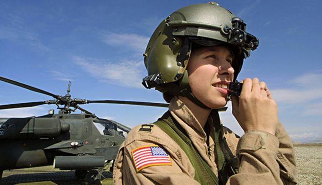 FEMEIA în ARMATĂ. Păreri pro şi contra pentru o carieră a armelor / GALERIE FOTO - armata3-1540292160.jpg