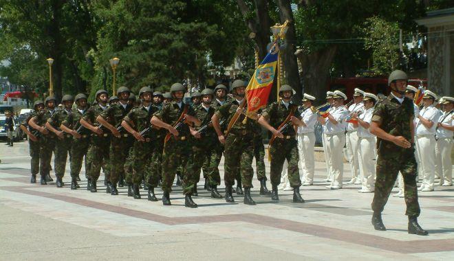 GALERIE FOTO / Militari români la un moment special, Cazinoul nu era ruină… - armata3-1543850782.jpg