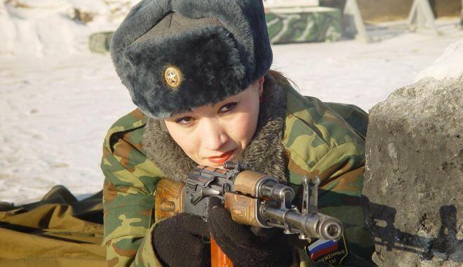 FEMEIA în ARMATĂ. Păreri pro şi contra pentru o carieră a armelor / GALERIE FOTO - armata4-1540292173.jpg