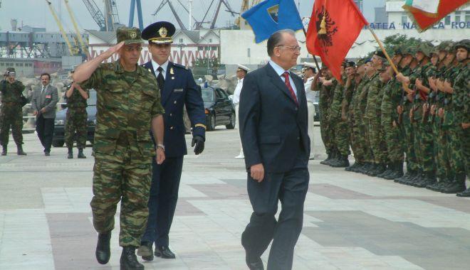 GALERIE FOTO / Militari români la un moment special, Cazinoul nu era ruină… - armata4-1543850795.jpg