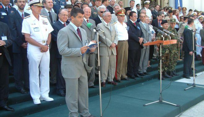 GALERIE FOTO / Militari români la un moment special, Cazinoul nu era ruină… - armata6-1543850820.jpg