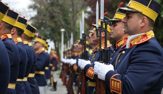 Foto: Aniversare în Armata Română. Ziua Forţelor Terestre