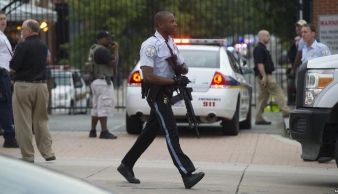 Foto: Atac armat în Washington, soldat cu cinci morţi. Cine e suspectul arestat